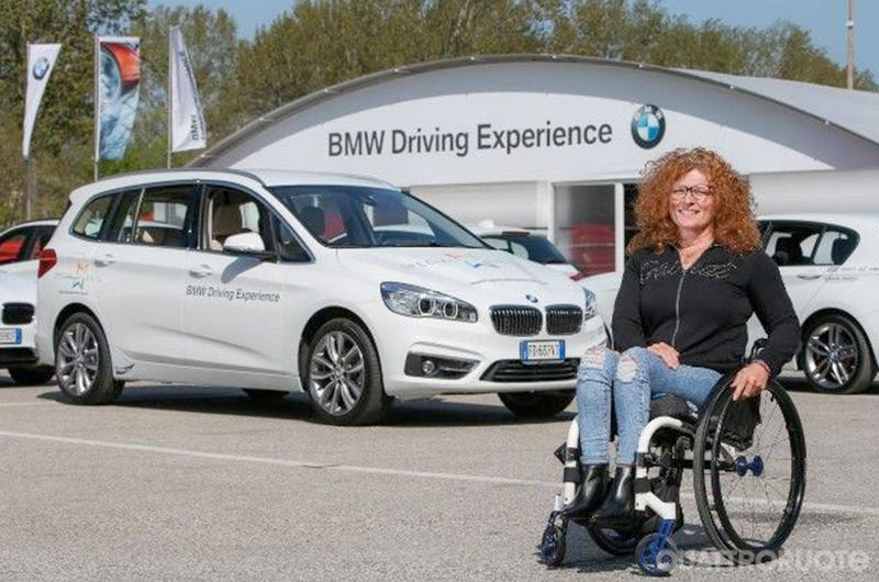 BMW-inaugura-la-sua-Driving-Experience-con-i-corsi-di-guida-sicura-per-disabili